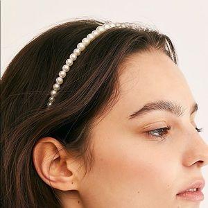 ⭐️ Pearl Headband